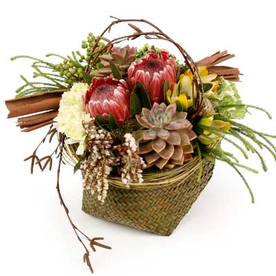 Called: Tenor. Description: This arrangement brings a taste of the outdoors inside.